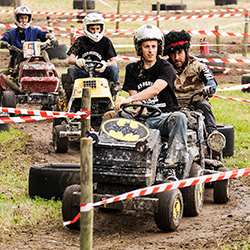 Lawnmower racing [square]